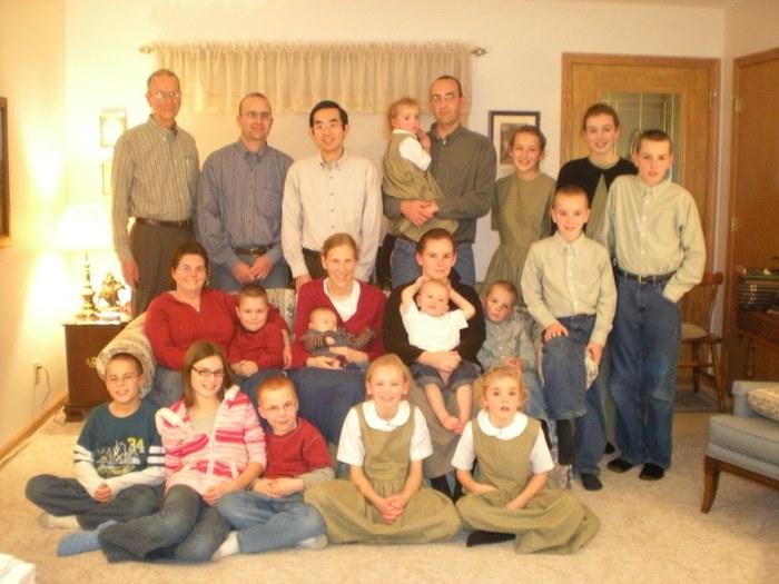 Sauder%20family%20christmas.JPG